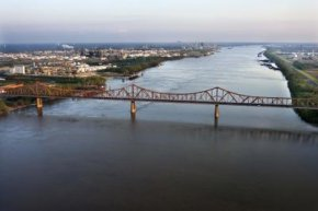 Baton Rouge lies on the east side of the Mississippi River.