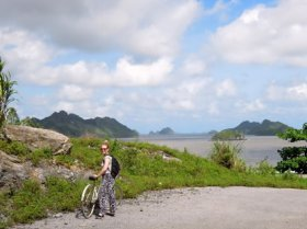 Cat Ba Island - cycling